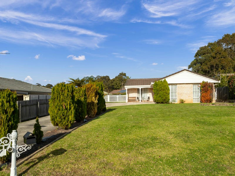 11 Sunshine Bay Road, Sunshine Bay, NSW 2536