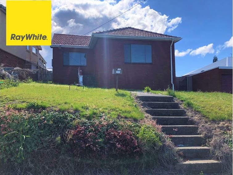 258 Northcliffe Drive, Lake Heights, NSW 2502