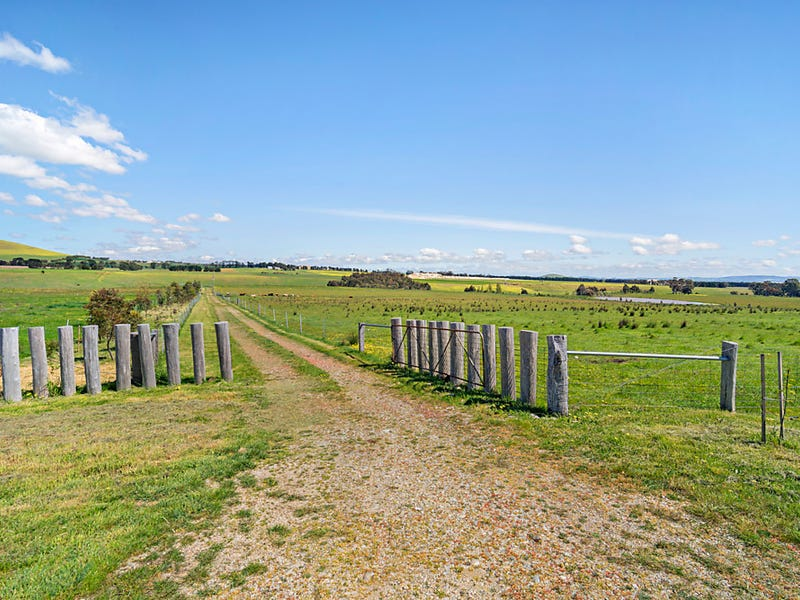 1460 Daylesford Clunes Road, Smeaton, Vic 3364