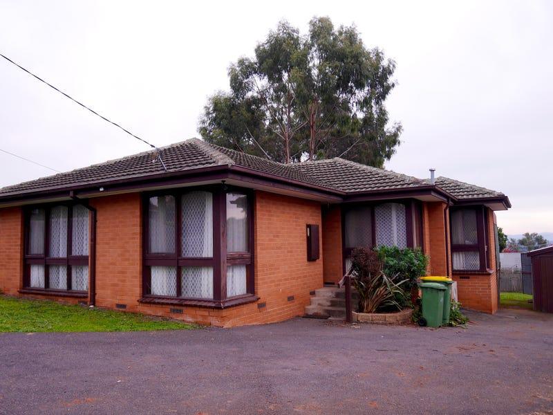 13 Greenglades Court, Wandin North, Vic 3139