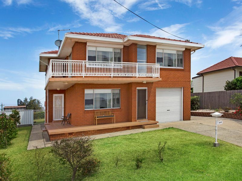 207 Flagstaff Road, Lake Heights, NSW 2502