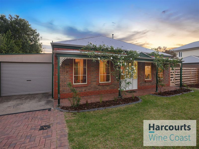 8 Giles Road, Willunga