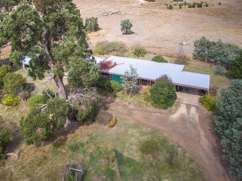 62 Monument Road, Romsey, Vic 3434