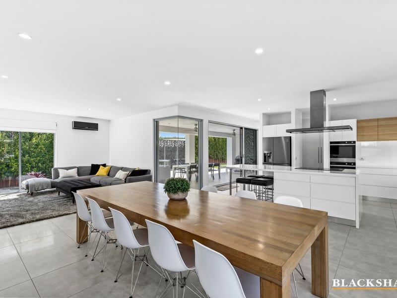 10 Beachside Boulevard, Tomakin, NSW 2537
