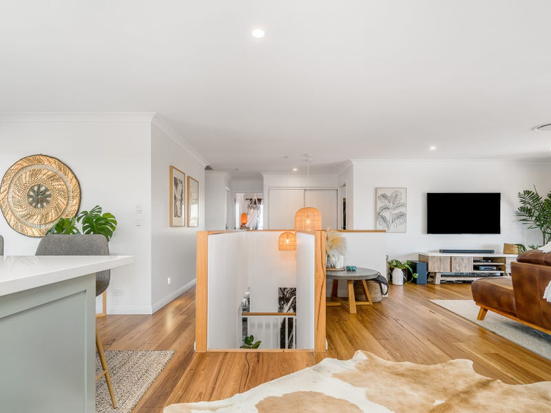 28 Castlecrag Avenue, Banora Point, NSW 2486