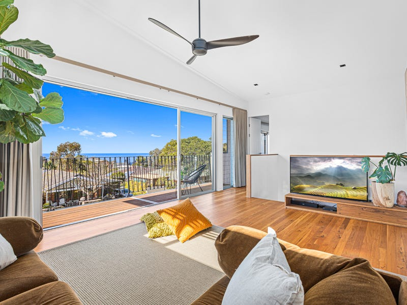 1 Nardoo Crescent, Thirroul, NSW 2515