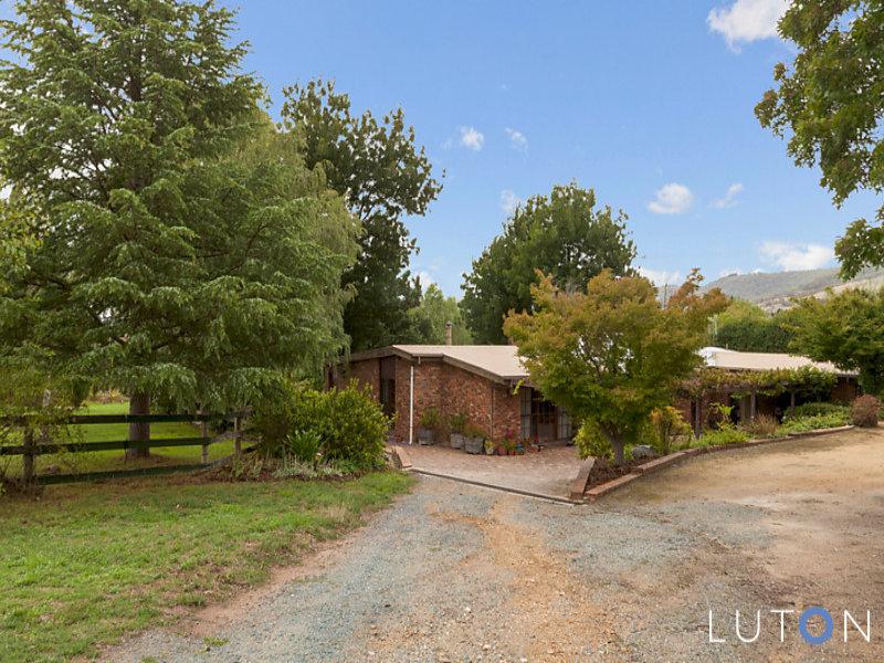 17 Moore Road, Burra, NSW 2620