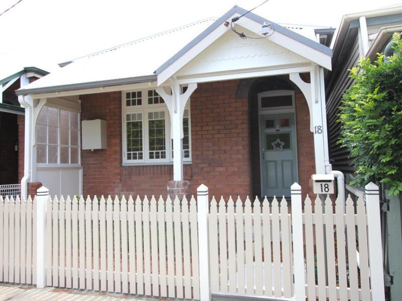 18 Elcho Street, Hamilton, NSW 2303