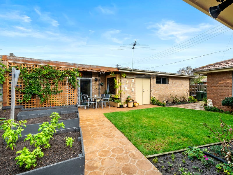 6 Hummerstone Road, Seaford, Vic 3198