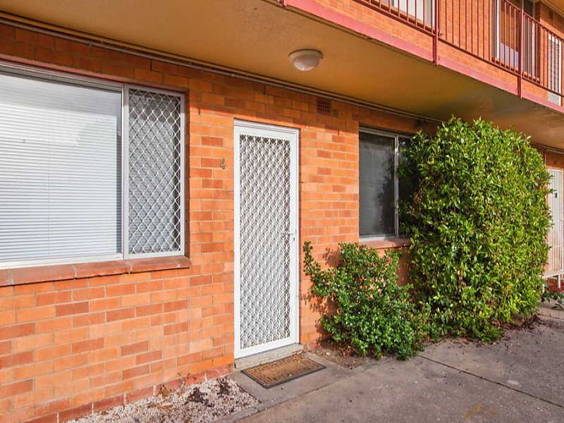 4/39 Thurralilly Street, Queanbeyan East, NSW 2620