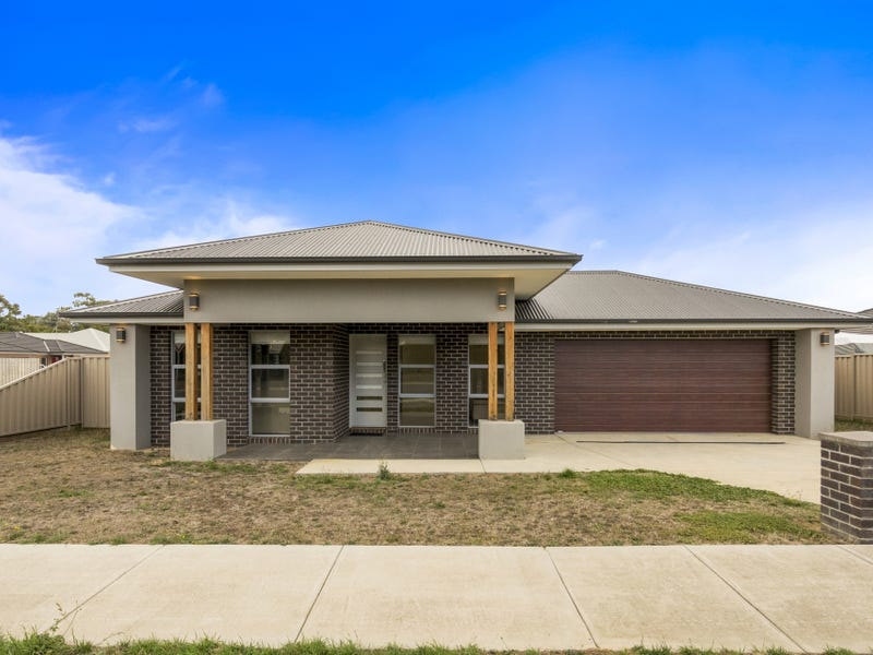 61 Spencer Road, Ballan, Vic 3342
