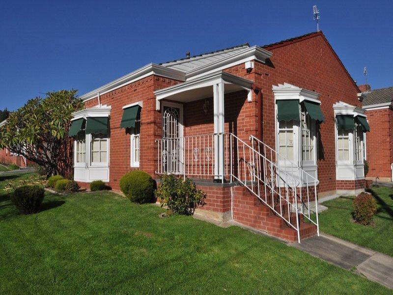 1/4 Carrick Hill Drive, Springfield, SA 5062