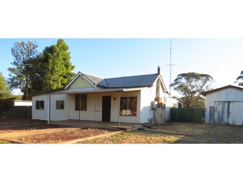 111 Railway Road, West Wyalong, NSW 2671