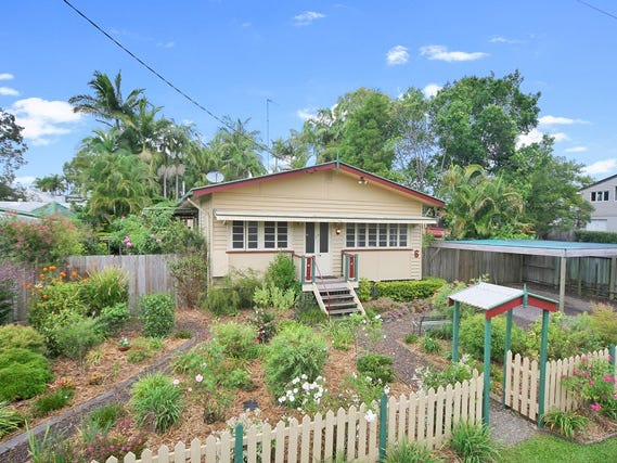 6 Pearl Street, Cooroy, Qld 4563