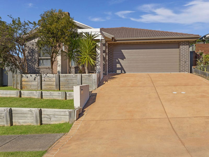 15 Voyager Street, Wadalba, NSW 2259