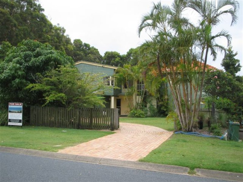 27 Tramican Street, Point Lookout, Qld 4183