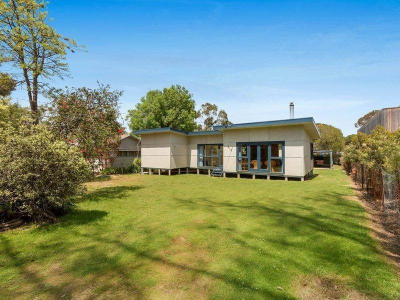 13 Minto St, Merricks Beach, Vic 3926