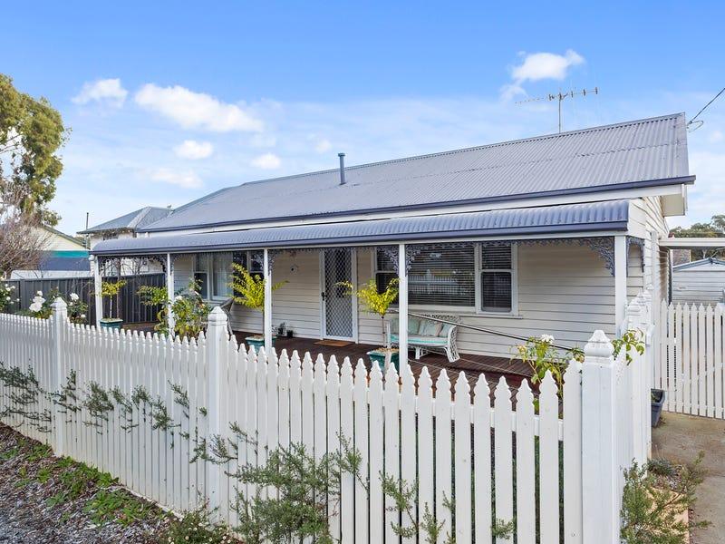 11 Short Street, Kangaroo Flat, Vic 3555