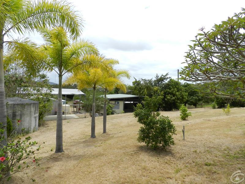 27 Flaggy Rock Road, Carmila, Qld 4739