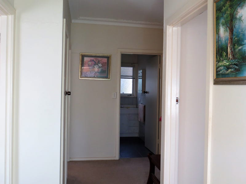 6 Redleaf Court, Heathcote, Vic 3523