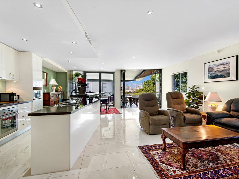 6/29 Bauer Street, Southport, Qld 4215