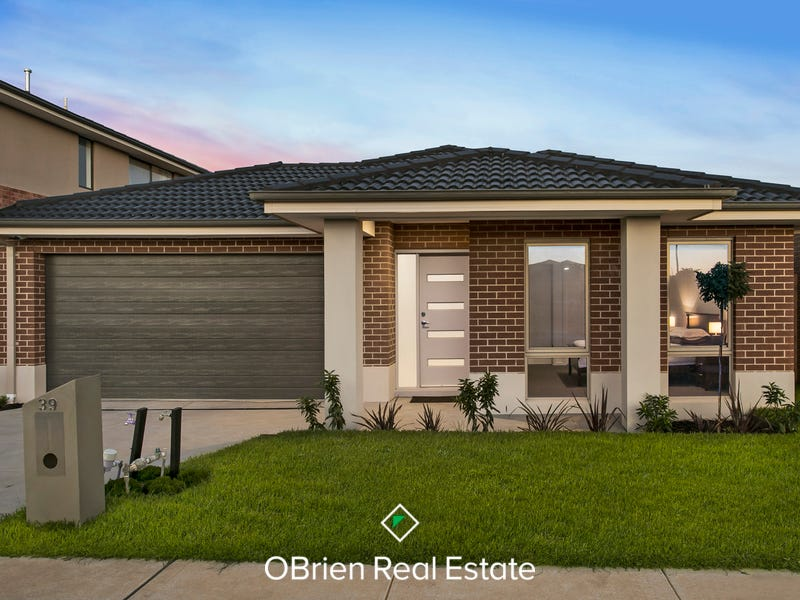 39 Strettle Crescent, Cranbourne North, Vic 3977