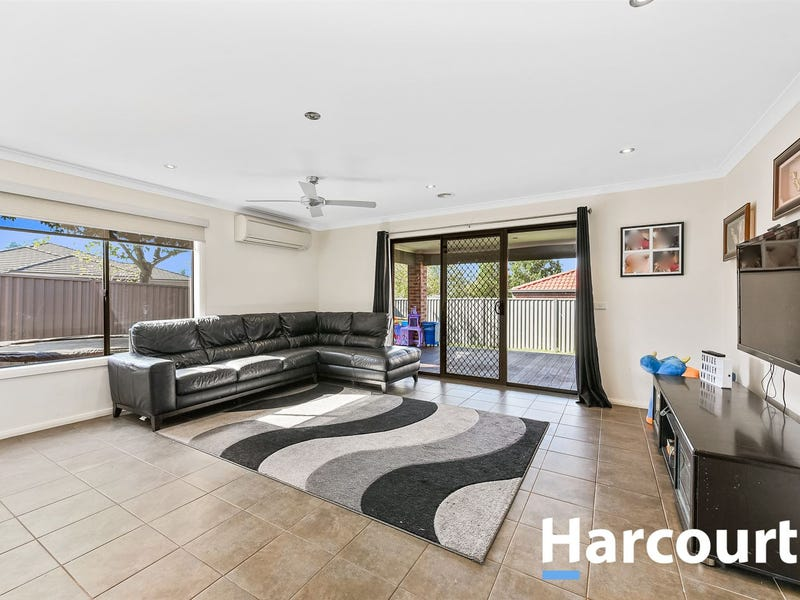 9 Pipetrack Circuit, Cranbourne East, Vic 3977