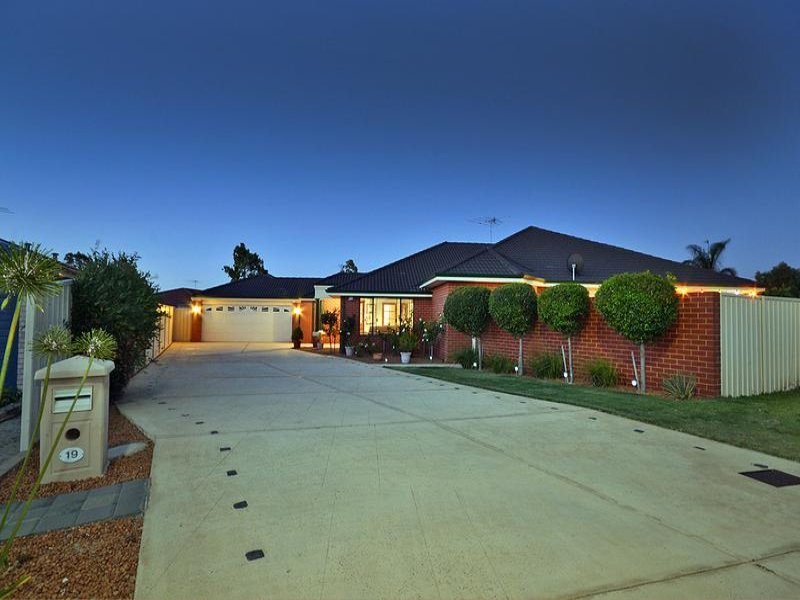 19 Clarafield Meander*, Tapping, WA 6065