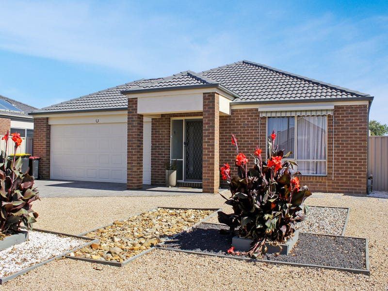 3 Bunyip Walk, Caroline Springs, Vic 3023