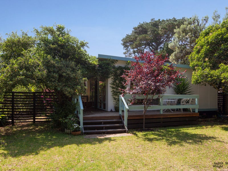 111 Red Rocks Road, Cowes, Vic 3922