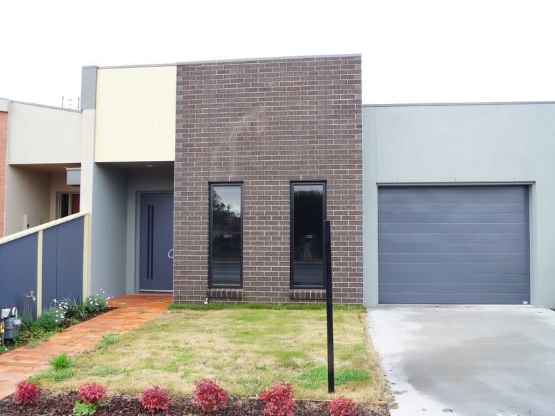 2/11 URQUHART STREET, Horsham, Vic 3400