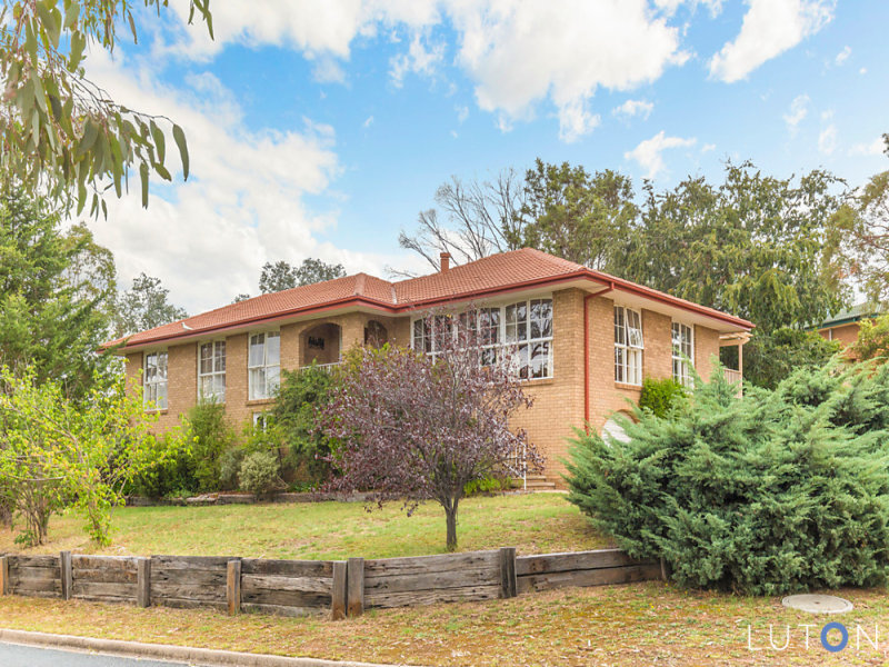 1 Dean Place, Charnwood, ACT 2615