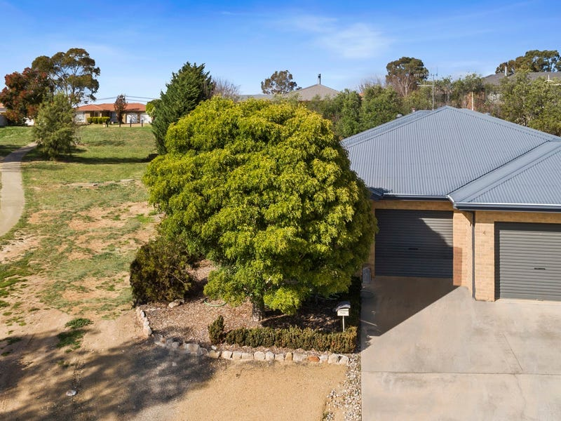 1/4 Moore Place, Goulburn, NSW 2580