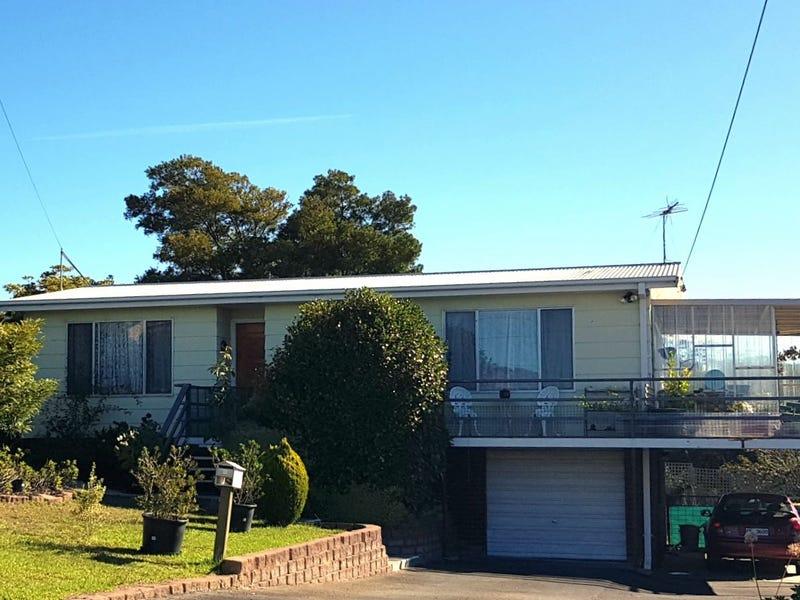 8 Cobrooga Drive, St Helens, Tas 7216