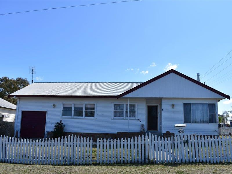 114 Miles Street, Tenterfield, NSW 2372