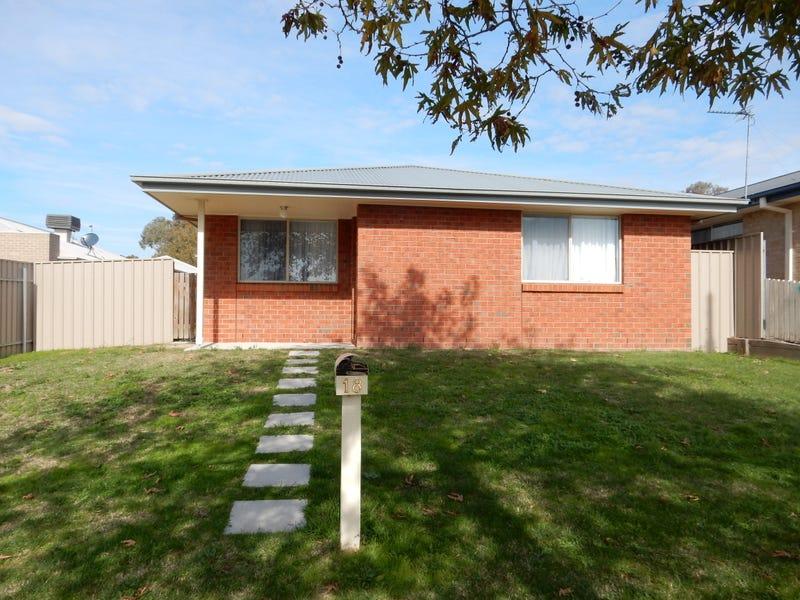 18 Oakmont Circuit, West Wodonga, Vic 3690