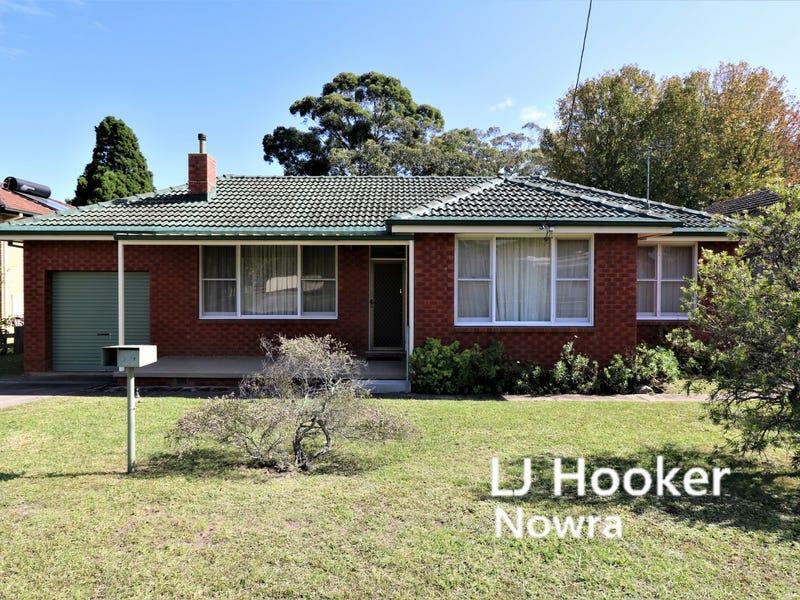 29 Brinawarr Street, Bomaderry, NSW 2541