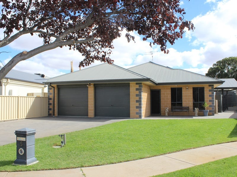 5 Cockerell Court, Swan Hill, Vic 3585