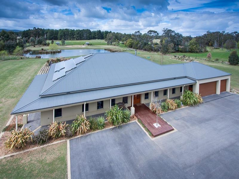 124 Mount Macedon Road, New Gisborne, Vic 3438