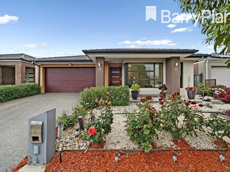 5 Clarence Place, Cranbourne East, Vic 3977