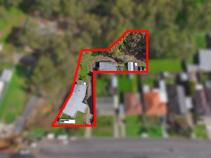 4 units at 75 Retreat Road, Flora Hill, Vic 3550