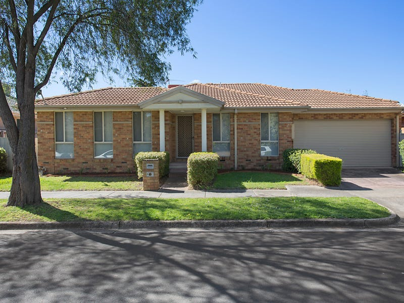 8 Carmel Avenue, Mount Waverley, Vic 3149