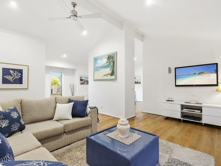 2/27 Nelson Street, Mornington, Vic 3931