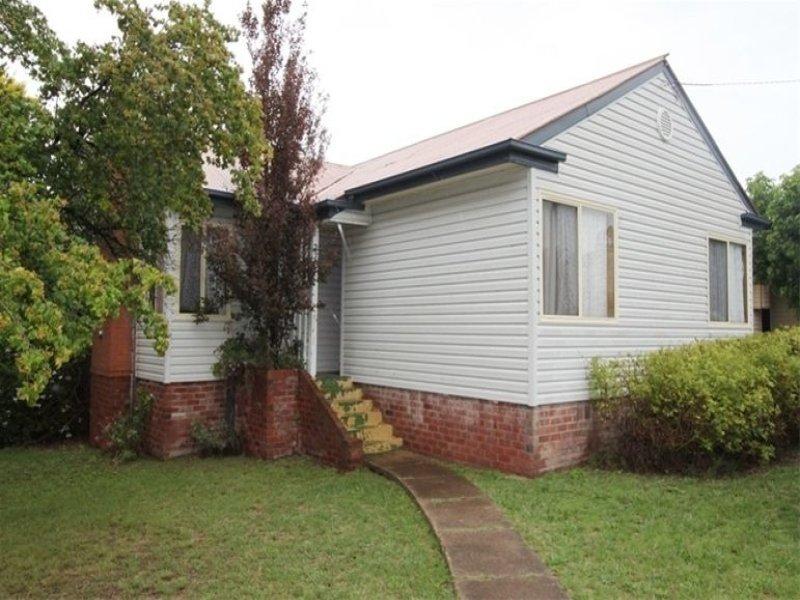 270 Rocket Street, Bathurst, NSW 2795