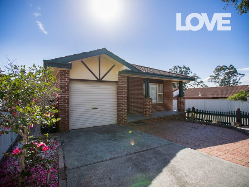 1/10 Mort Street, Shortland, NSW 2307