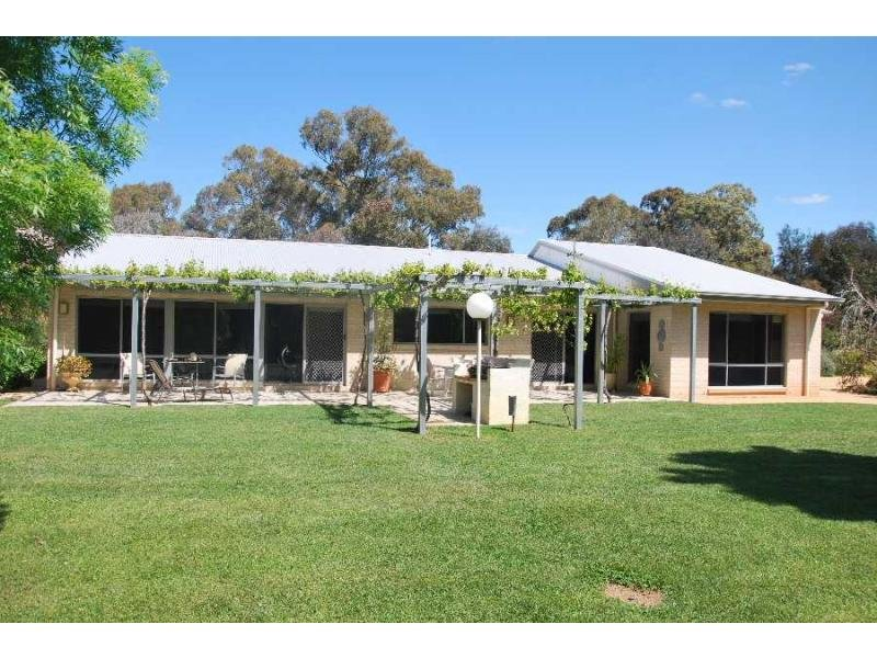 1988 Murray Valley Highway, Cobram East, Vic 3644