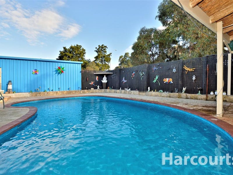 7 Canterbury Terrace, Meadow Springs