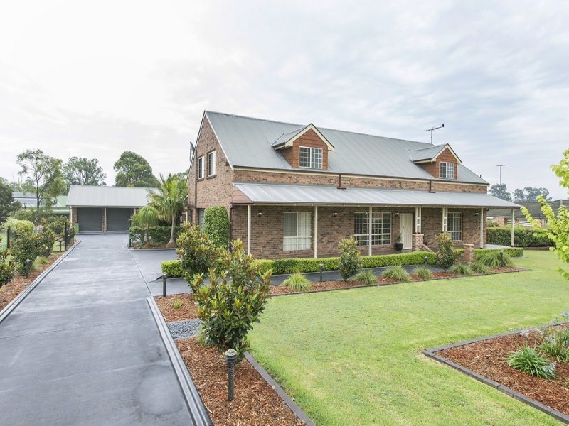 2 Nambruk Close, Cranebrook, NSW 2749
