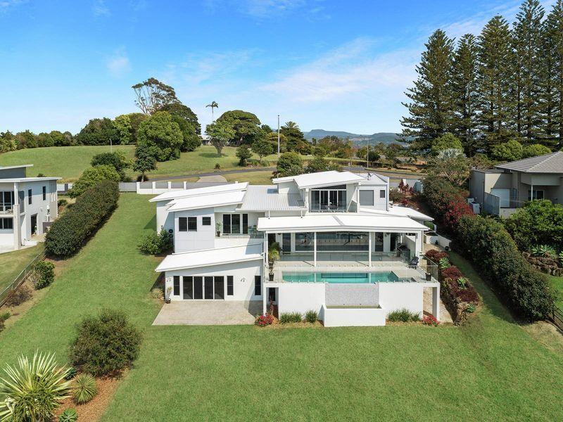 9 Sunnycrest Drive, Terranora, NSW 2486