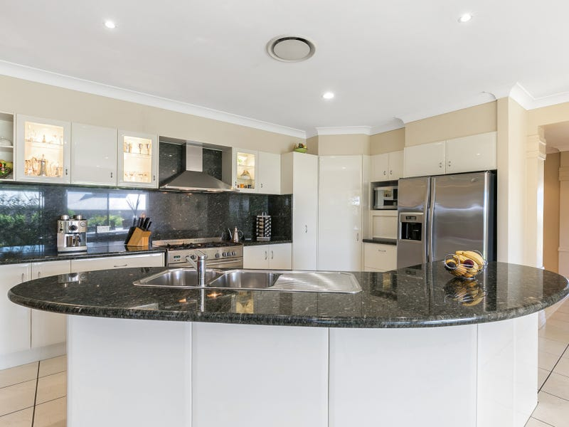 177 Gibson Crescent, Bellbowrie, Qld 4070
